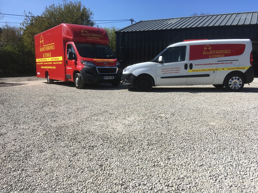 Project Signs - Mounts Removals & Storage Luton and Van
